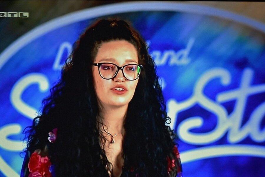 """Die einstige Erzistar-Teilnehmerin Lena-Loreen Kürschner ist bei """"Deutschland sucht den Superstar"""" eine Runde weiter."""