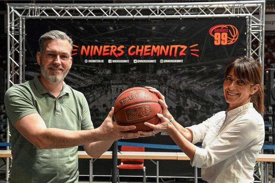 Unternehmerin Micaela Schönherr ist seit 2016 Präsidentin der Niners Chemnitz. Journalist Sven Böttger ist seit 2014 im Vorstand.