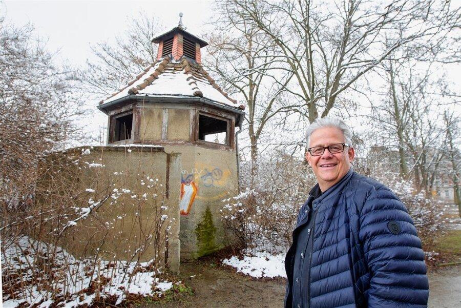 So trist und kaputt soll das bald 100 Jahre alte Pissoir am Wagnerplatz bald nicht mehr aussehen - zumindest, wenn es nach Frank Müller geht.