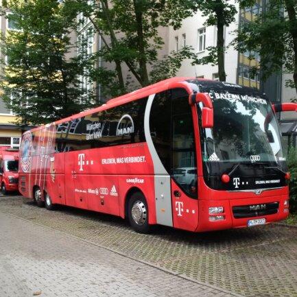 Der FC Bayern München wird die Nacht im Hotel an der Oper verbringen.