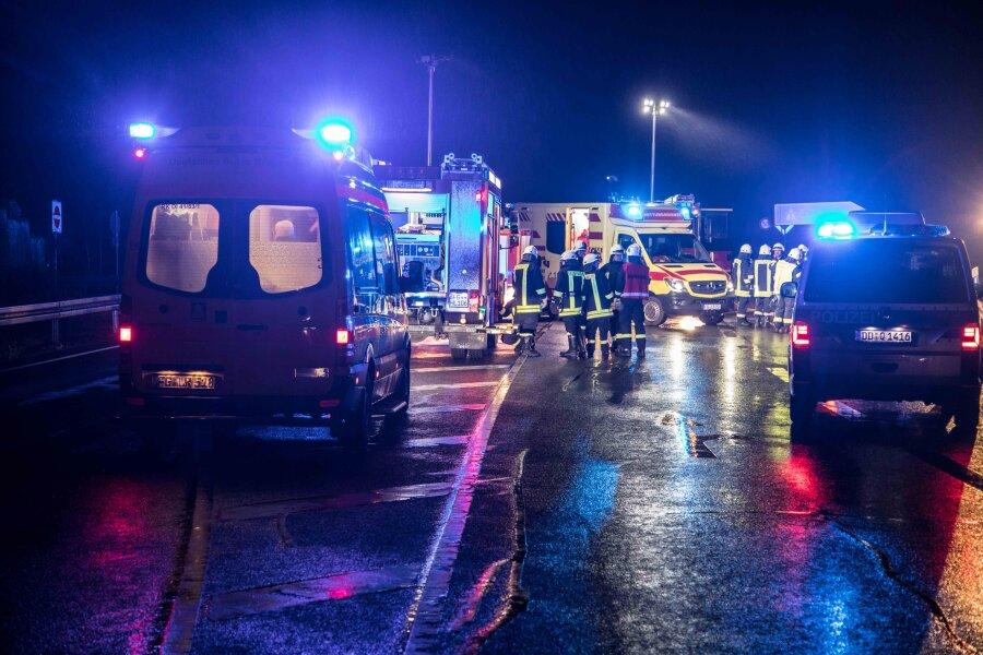 B101 bei Siebenlehn nach Unfall mehrere Stunden gesperrt