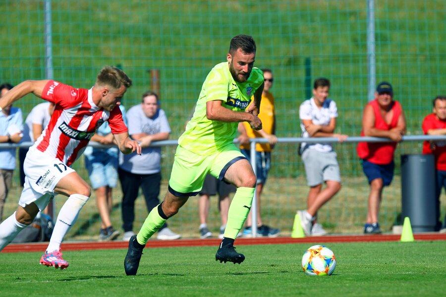 Morris Schröter (Zwickau) im Angriff Fußball Testspiel FSV Zwickau.