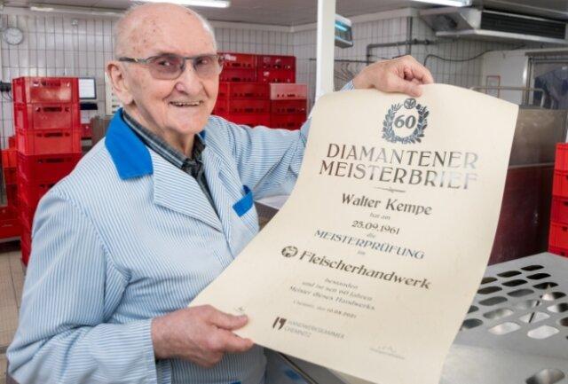 Walter Kempe wurde von der Handwerkskammer Chemnitz mit dem Diamantenen Meisterbrief geehrt.