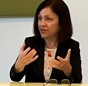 Prof. Katrin Neumann sprach zu Einflüssen der Pandemie.