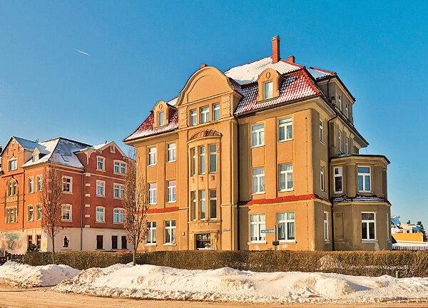Attraktives denkmalgeschütztes Mehrfamilienhaus in Eibenstock / Mindestgebot 395.000 Euro