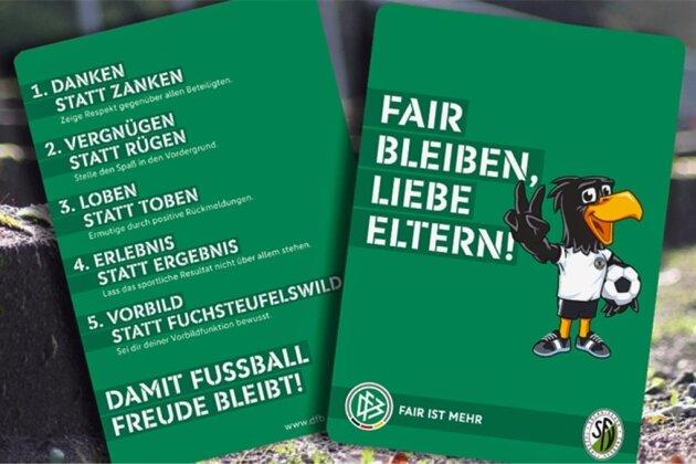 Die grüne Karte mit Benimmregeln für Eltern, die für ihre Kinder am Ball nur das Beste wollen.