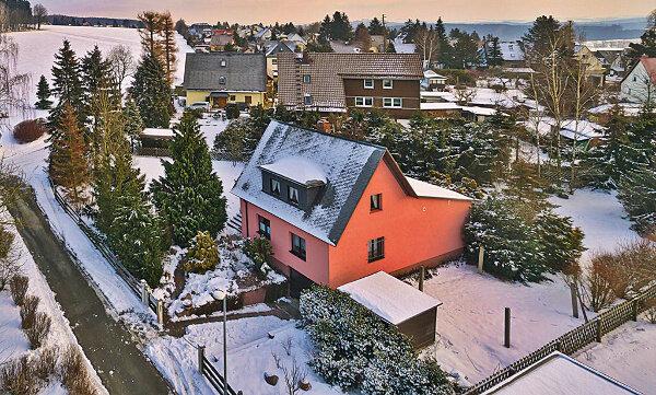Einfamilienhaus in Chemnitz (Kleinolbersdorf-Altenhain) / Mindestgebot 175.000 Euro
