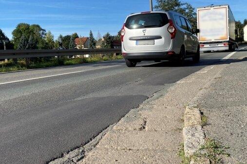 Ab Dienstagnachmittag ist Gablenz dicht. Dann beseitigen die Bauleute die Schäden, bringen die Straßenentwässerung in Ordnung.