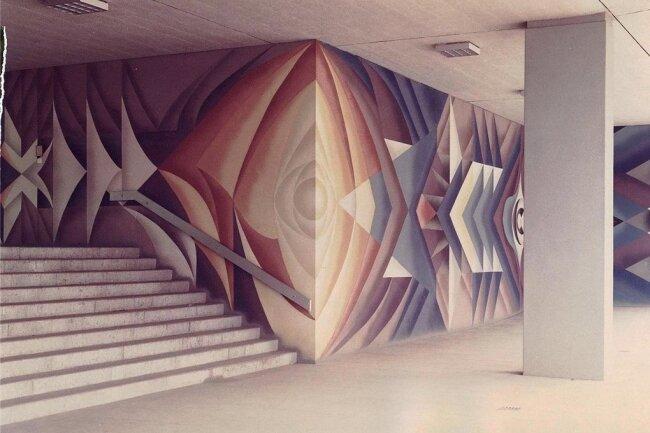Der rechte Teil der Wandgestaltung im Eingangsbereich des Rathauses Plauen nach dessen Fertigstellung im Jahr 1978.