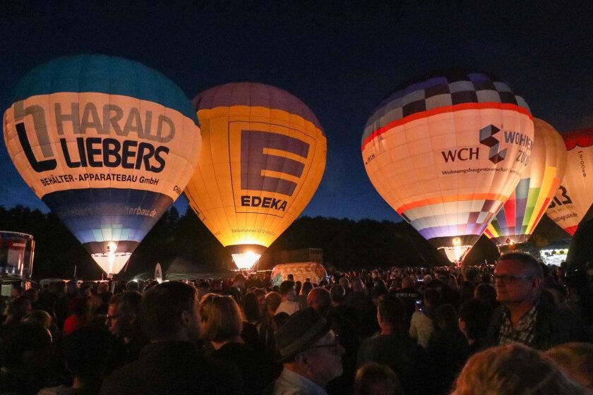 Volksfeststimmung beim Ballonfest in Chemnitz