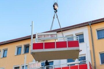 So wie im Vorjahr in Wechselburg sollen dieses Jahr in Penig Balkone an Wohnblöcke der WGM angebaut werden.