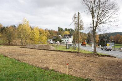 Für den Knotenpunkt B 92/Görnitzer Weg im Baustellenbereich entsteht eine Umfahrung. Die vorbereitenden Arbeiten liefen bereits, im März wird asphaltiert.