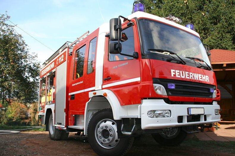 Feuerwehr löscht Schornsteinbrand