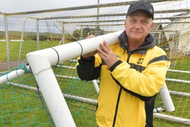 Statt auf dem Schrottplatz sind die alten Fußballtore der SG Dynamo Dresden beim Bobritzscher SV gelandet. Zu verdanken hat der BSV das Platzwart Michael Siemon und seinen alten Freundschaften.