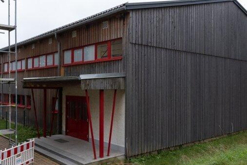 Die Turnhalle an der Grundschule Elterlein weist Mängel auf. Doch die erwünschten Fördermittel zur Reparatur fließen nicht.
