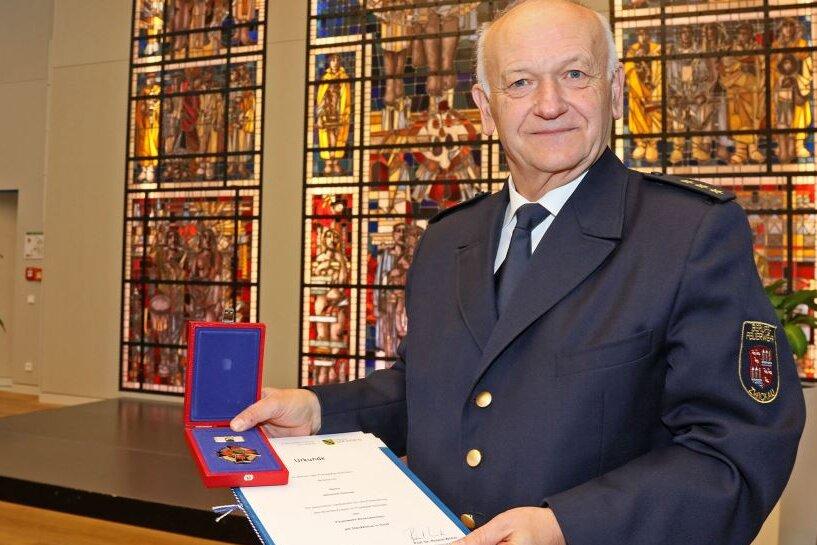 Heinrich Günnel geht in den Ruhestand. Am Freitag wurde er offiziell verabschiedet - und sein Wirken gewürdigt.