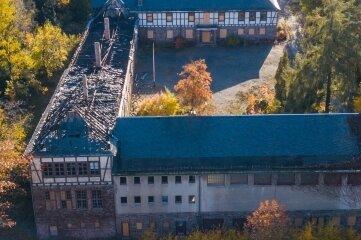 Bei dem Brand war der Dachstuhl der frühere Heidelsbergschule in Teilen zerstört worden.
