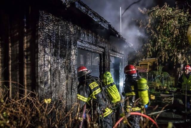 Gartenlaube in Plauen brennt