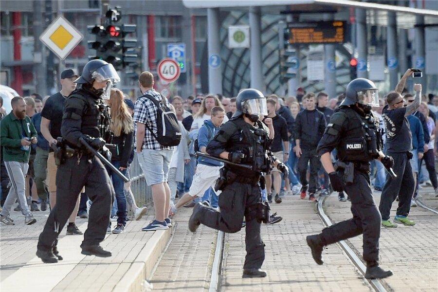 Ausnahmezustand in der Innenstadt: Die Polizei war teilweise überfordert mit der Situation.