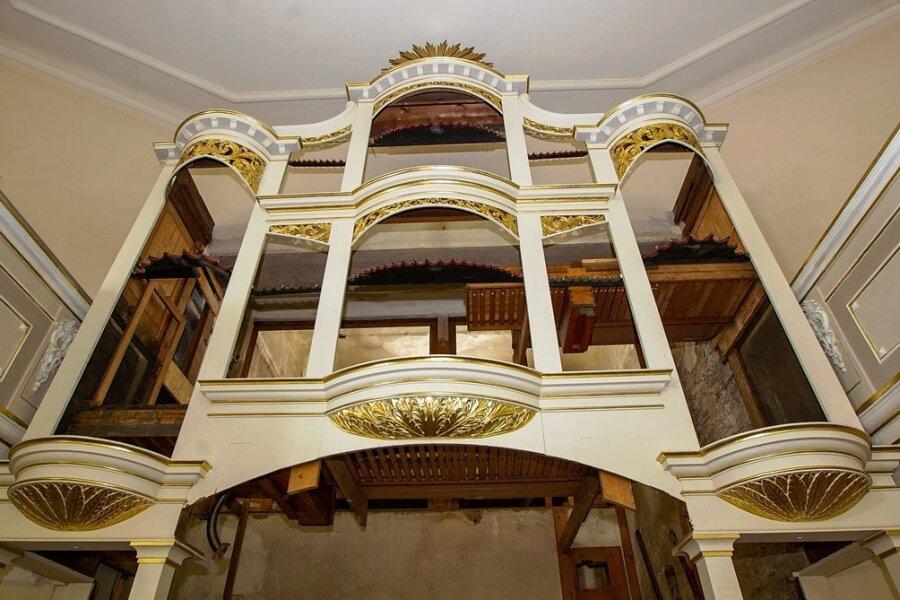 In der Plauener Lutherkirche sind die Orgelpfeifen ausgebaut.