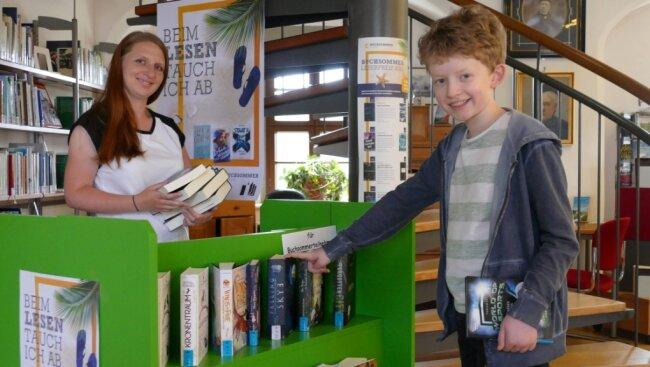 Als einen der ersten Teilnehmer des diesjährigen Buchsommers konnte Angelique Pal den zwölfjährigen Venusberger Tim Kandler in der Zschopauer Stadtbibliothek begrüßen.