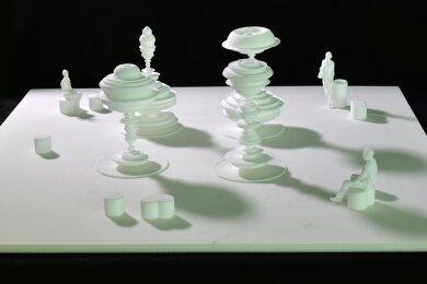 """Maschinenteile oder Personen mit Hut? In seinem Entwurf """"Manifold"""" (vielfältig) spielt Künstler Daniel Widrig mit kreiselförmigen Elementen."""