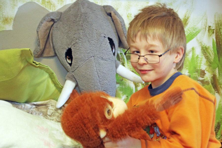 Felix in seinem Kinderzimmer-Dschungel.