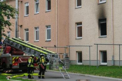 Gegen 16.45 Uhr wurden die Feuerwehren aus Aue, Alberoda und Lößnitz zu einem Brand im Asylbewerberheim in Alberoda gerufen.