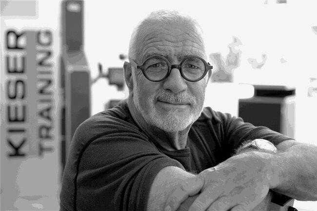 Der Fitnesspionier Werner Kieser ist in Zürich im Alter von 80 Jahren an Herzversagen gestorben.