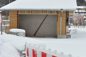 Das Gebäude der ÖPNV-Schnittstelle muss noch fertiggestellt werden.