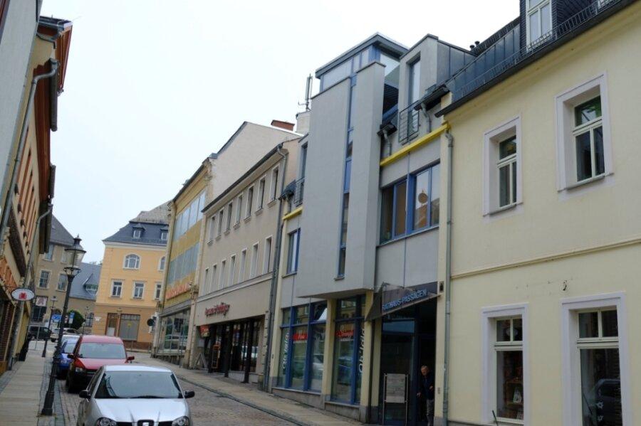 Bodenrichtwerte sind nicht Verkehrswerte, aber sie geben Orientierung. Angebot und Nachfrage entscheiden. Die Stadt Reichenbach liegt bei den bewerteten Flächen im Vogtland auf Rang 3. Dort ist der Bereich zwischen Postplatz und Markt am höchsten bewertet - im Bild ist die Marktstraße zu sehen.