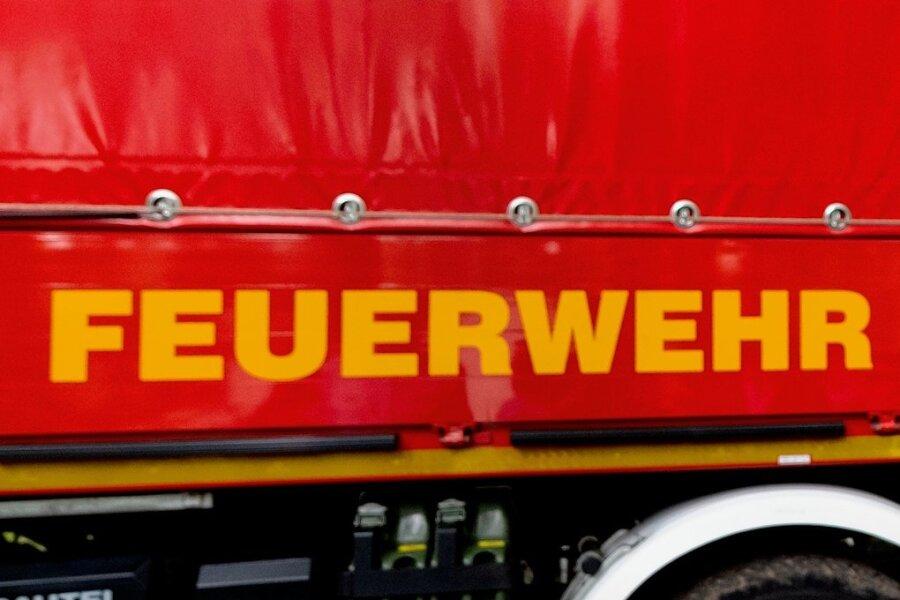 Plauener Feuerwehr stößt bei Brandeinsatz auf Frau in Notsituation