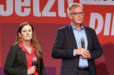 Betretene Gesichter: die Linken-Spitzenkandidaten Janine Wissler und Dietmar Bartsch.