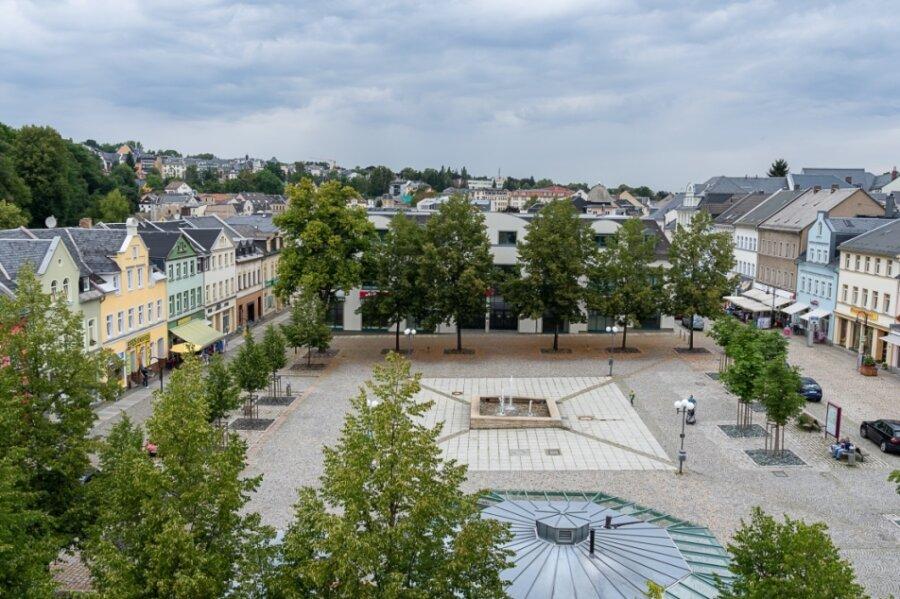 Bodenrichtwerte sind nicht Verkehrswerte, aber sie geben Orientierung. Angebot und Nachfrage entscheiden. Im Vogtlandkreis rangiert die Stadt Auerbach auf dem zweiten Platz. Dort sind die Bereiche Neumarkt (Foto) und Altmarkt am höchsten bewertet.