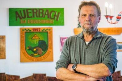 Dieter Herold, Auerbachs stellvertretender Bürgermeister, freut sich über die Aufgeschlossenheit der Auerbacher, wenn es ums Ortsjubiläum geht. Das soll 2022 eine Woche lang gefeiert werden.