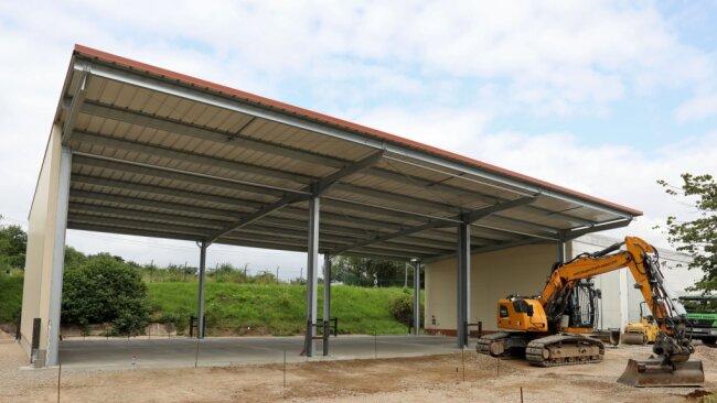 Die Agrargenossenschaft Langenchursdorf hat in eine neue Halle für Kartoffelkisten investiert.