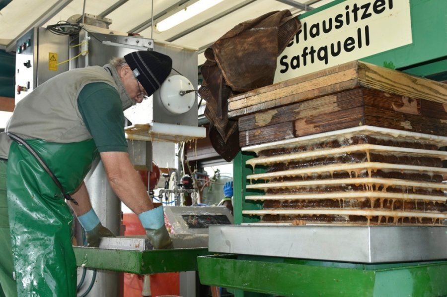 Obervogtländer lassen nach einem guten Apfeljahr Saft pressen