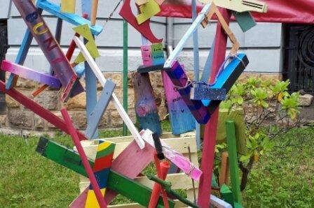 Besuch im Kunstkeller: Schüler gestalten eigene Klassenskulptur
