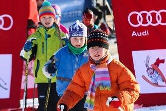 Hunderte tummeln sich zum Wold-Snow-Day in Holzhau