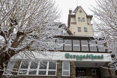 Das 1911 eröffnete Berggasthaus ist ein Wahrzeichen der Stadt Hohenstein-Ernstthal.