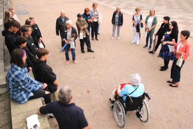 Senioren und Jugendliche kamen miteinander ins Gespräch, aber nicht ganz so, wie sich das die Organisatoren gewünscht hätten.