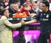 Ottmar Hitzfeld sieht Probleme bei Luca Toni