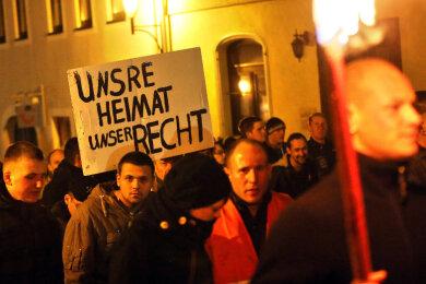 1800 Menschen nahmen am zweiten sogenannten Lichtellauf in Schneeberg teil.