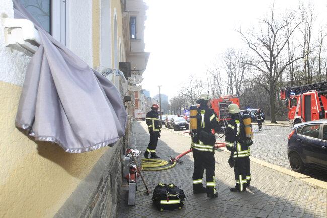 Am Mittwochnachmittag rückte die Feuerwehr zu einem Brand an der Karolastraße in Plauen aus.