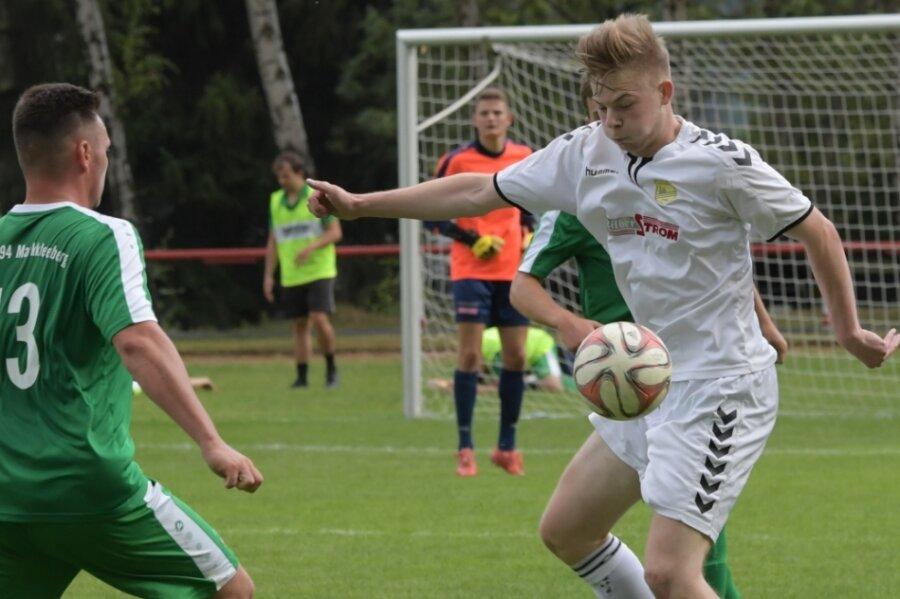 Schneebergs Tim Buttker-Frötschner und seine Teamkollegen hielten im Sachsenpokal-Duell gegen Markkleeberg zunächst gut mit. Doch letztlich mussten sie sich dem Landesligisten geschlagen geben.