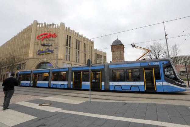 Warnstreik in Chemnitz: Viele Straßenbahnen und Busse bleiben am Dienstag im Depot