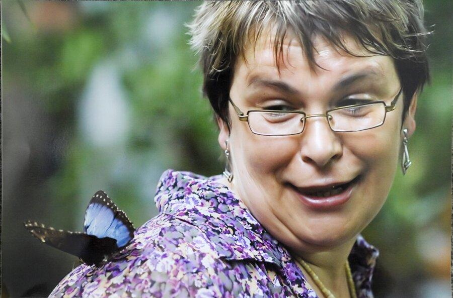 Folgenreicher Irrtum in der Schmetterlingshalle: Der Falter steuert Blumen an, die keinen Nektar spenden. Das beschert Henrik Gruner aus dem Erzgebirge ein Foto, von dem jeder Fotograf nur träumen kann.