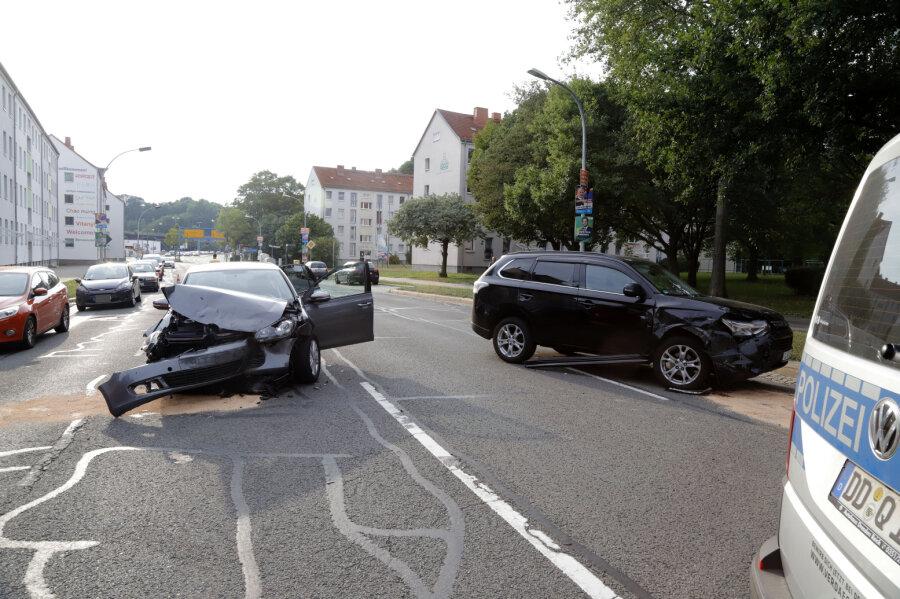 Beim Abbiegen auf die Gustav-Freytag-Straße ist der VW mit dem bevorrechtigten Mitsubishi zusammengestoßen.