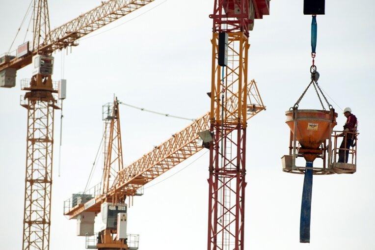 Sachsen wehrt sich gegen West-Mindestlohn am Bau