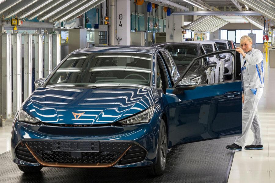 VW-Werk in Zwickau: Produktionsstart für den Cupra Born